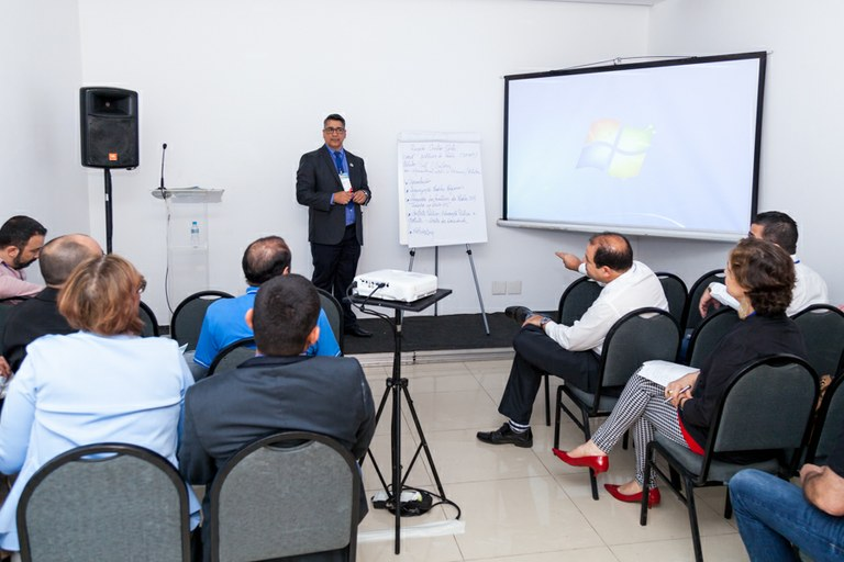 Fóruns de gestores discutem dificuldades regionais