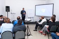 Diretores gerais de campi da Região Centro-Oeste durante discussão no Fórum Regional (Foto: Rodrigo Fonseca - IFAM)