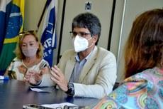 Reitor do IFFluminense, Jefferson Manhães, se reúne com representantes da Uenf para tratar de parceria com a Fundação Pró-IFF (Foto: Divulgação)