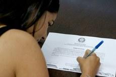 Novos servidores assinaram termo de posse nesta quinta, dia 08 de agosto (Fotos: Tiago Quintes)