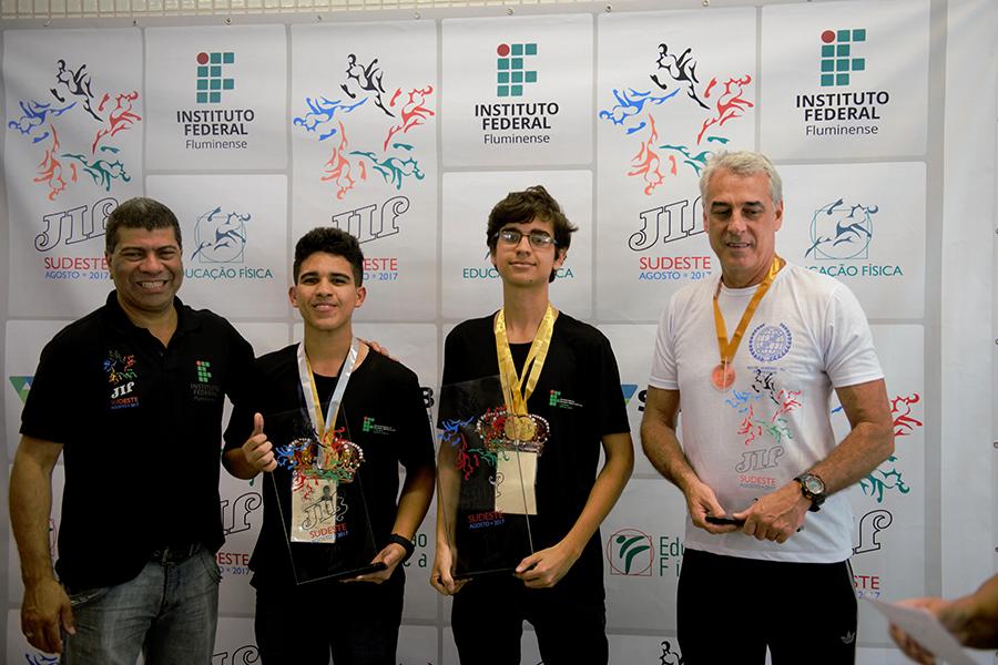IFF encerra o JIF Sudeste com medalhas de ouro e prata no Xadrez
