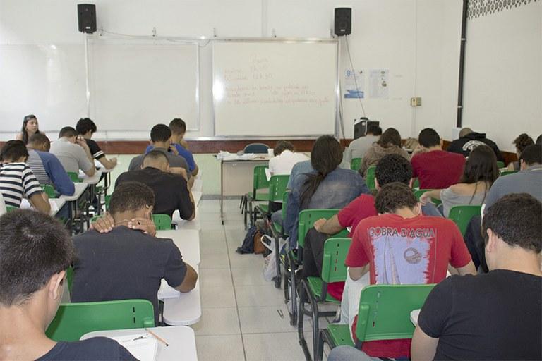 IFFluminense aplica prova objetiva para cursos técnicos