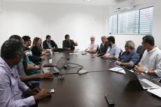 Gestores discutiram alternativas para manutenção das atividades da Universidade Rural em Campos (Foto: Tiago Quintes).