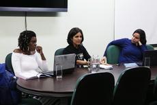 Da esquerda para a direita: Jéssica, Fernanda e Juliana falaram sobre a obra.