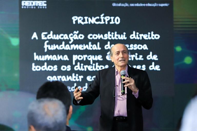 Palestra e debate discutem Educação e desigualdade