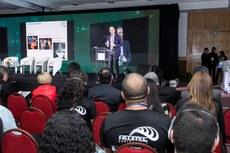 Diretor adjunto do Programa em Tecnologia e Emprego na Universidade de Oxford, na Inglaterra, Carl Frey, durante sua palestra na Reditec (Fotos: Alexandre Willian - IFF)