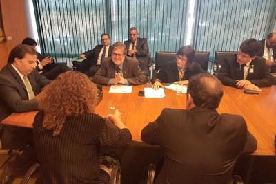 Gestores durante reunião com o presidente da Câmara dos Deputados, Rodrigo Maia.