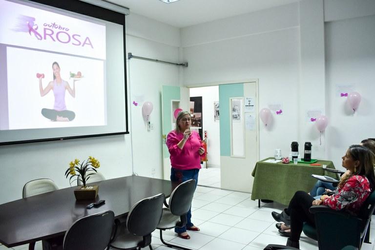 Roda de Conversa alerta sobre o Câncer de Mama