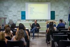 A palestra foi ministrada pelo professor da Uerj, Ney Luiz Teixeira.