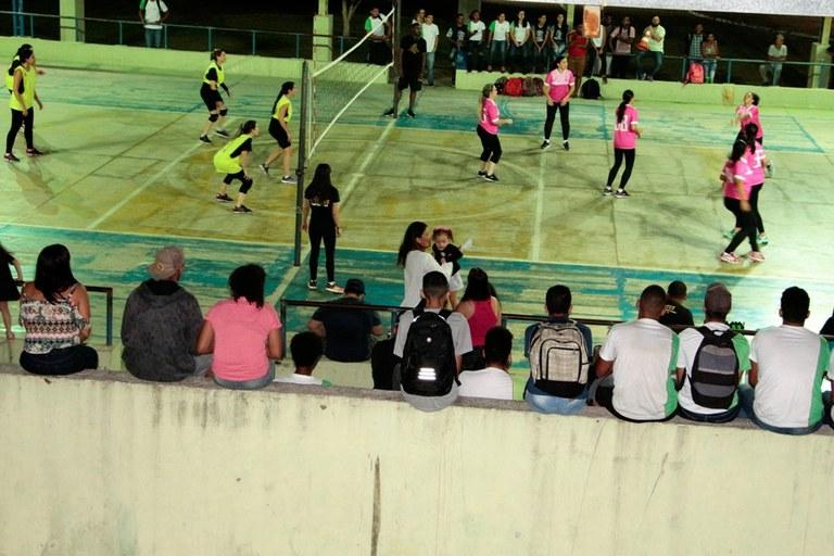 Voleibol feminino abre os Jogos Intercampi dos Servidores do IFF