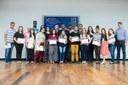 Bolsistas e orientadores do IFFluminense durante premiação